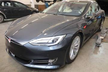 Tesla Model S 100 Performance Dual Motor, grau met...